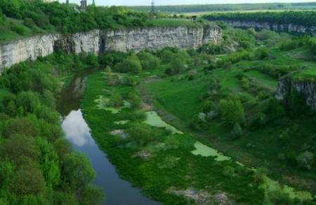 В Кам'янці розбилась туристка з Києва