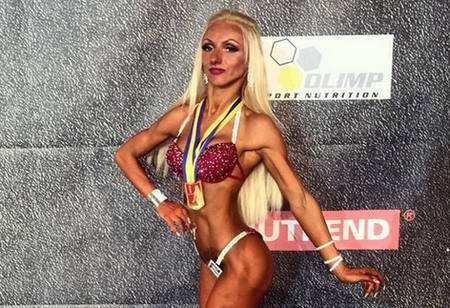 Анастасії Самойлович привезла медалі з бодібілдингу та фітнесу