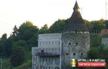 Гончарська вежа з рестораном Стара фортеця
